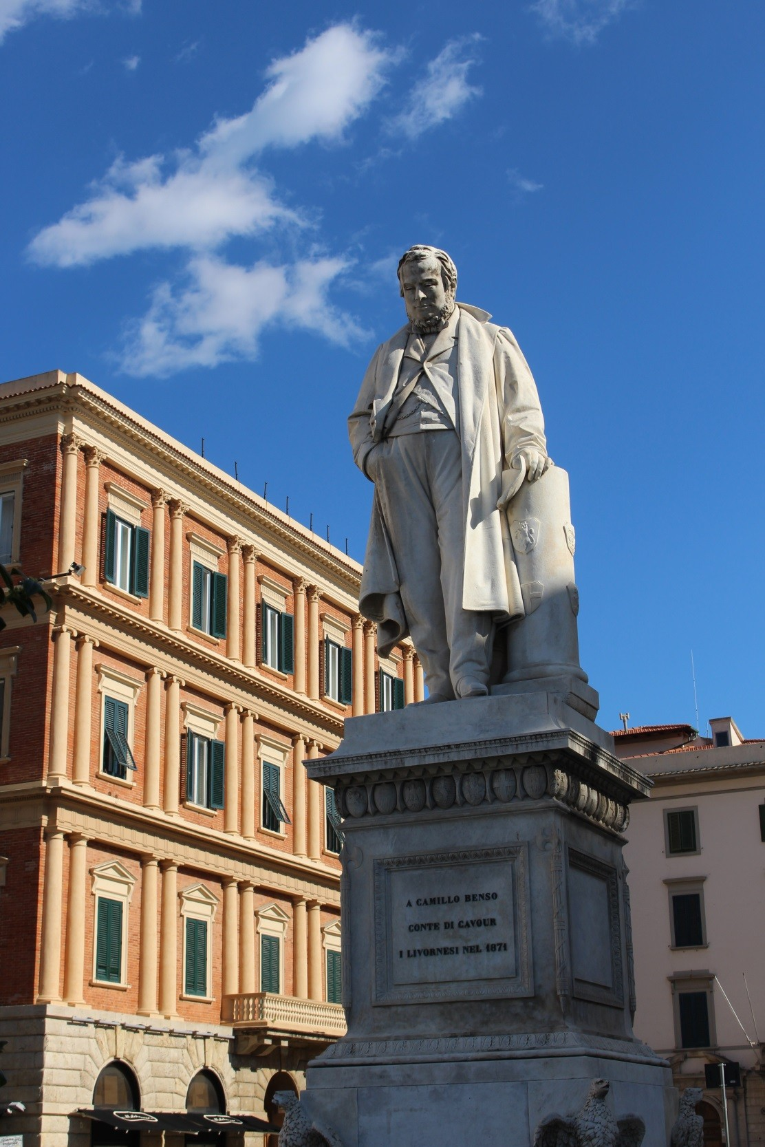 Discover the charm of Livorno: Piazza Cavour